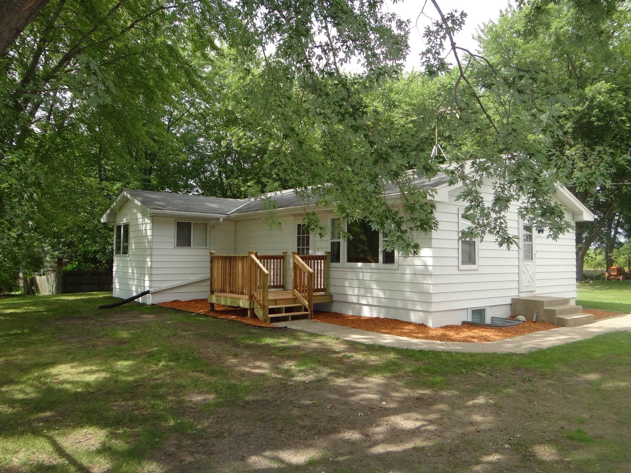 New listing in buffalo mn on 1 acre buffalo homes for sale for Modern homes for sale mn
