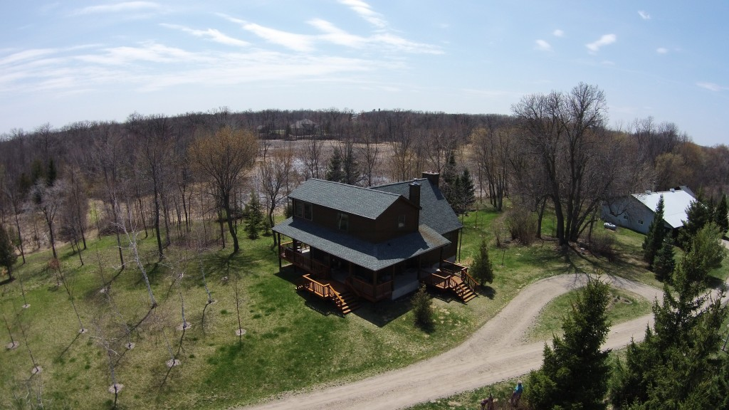 large acreage home picture